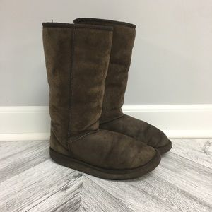UGG | Brown Chocolate Tall Classic Uggs Size 7